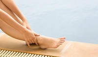 How Important Is Washing and Drying the Feet Daily?